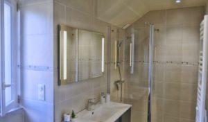 Le Rouchil Salle de bain, douche à l'italienne